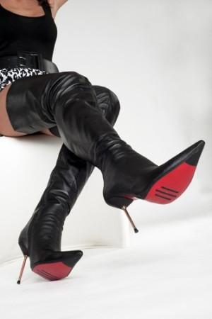 Arollo (Аролло) - австрийский бренд женских высоких сапог на шпильке. Где купить в Украине