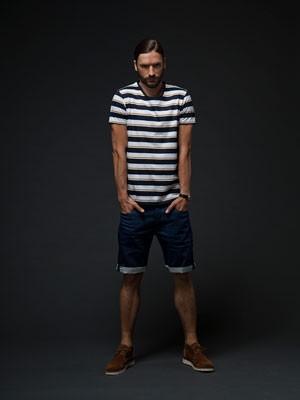 Jack & Jones (Джек энд  Джонс) – мужская одежда, обувь и аксессуары из Дании. Где купить в Украине