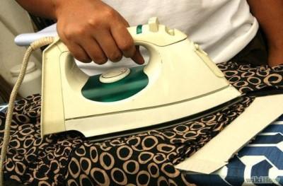 Как очистить жевательную резинку с одежды?