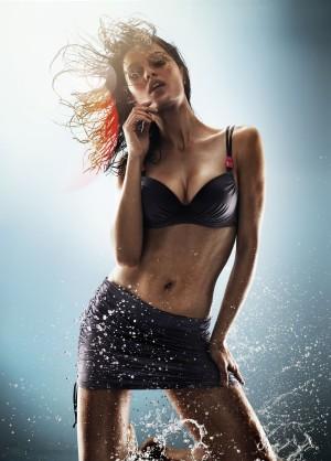Бренд Triumph представил коллекцию купальников Aqua  Shape Sensation 2012
