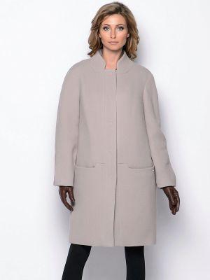 s-chem-nosit-pryamoe-palto