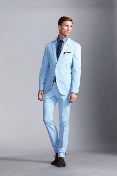 sinij-kostyum-svetliy
